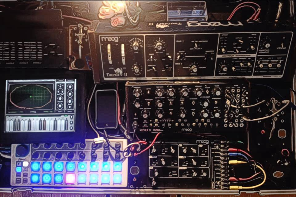 Bill T Miller - Orgy Of Noise Moog Rig